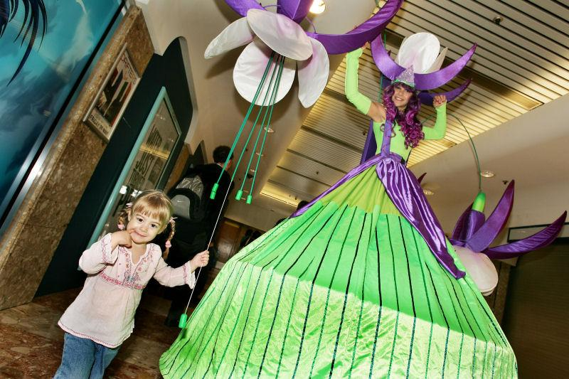 Flower The Long stems - stilt walkers - event entertainers