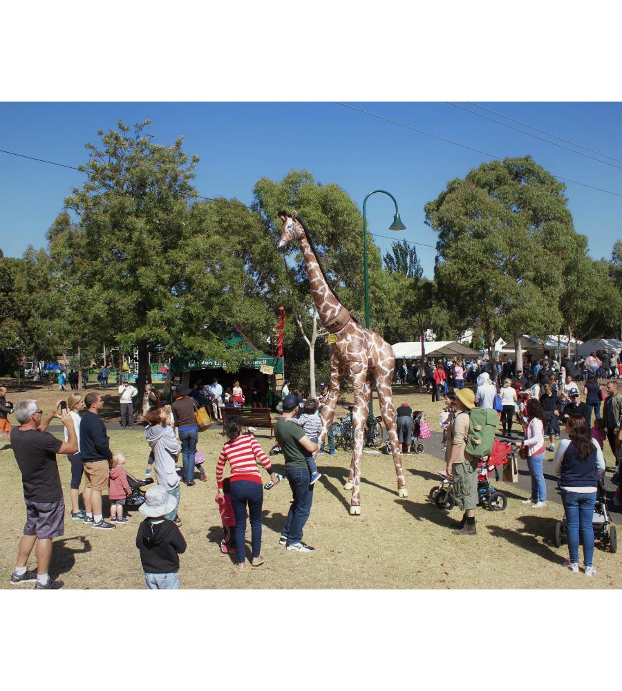 Gemma Giraffe Stilt Walkers Australia_soliq 14