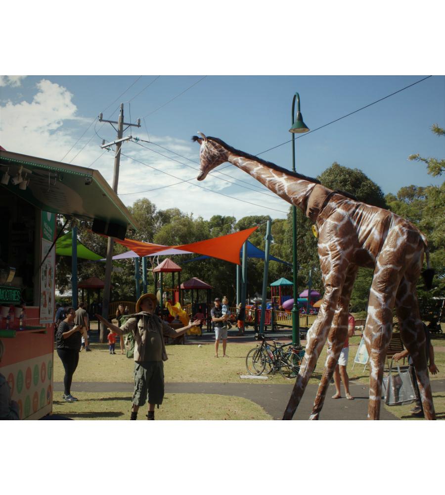 Gemma Giraffe Stilt Walkers Australia_soliq 4