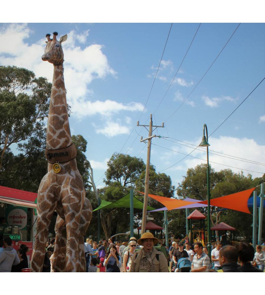 Gemma Giraffe Stilt Walkers Australia_soliq 6