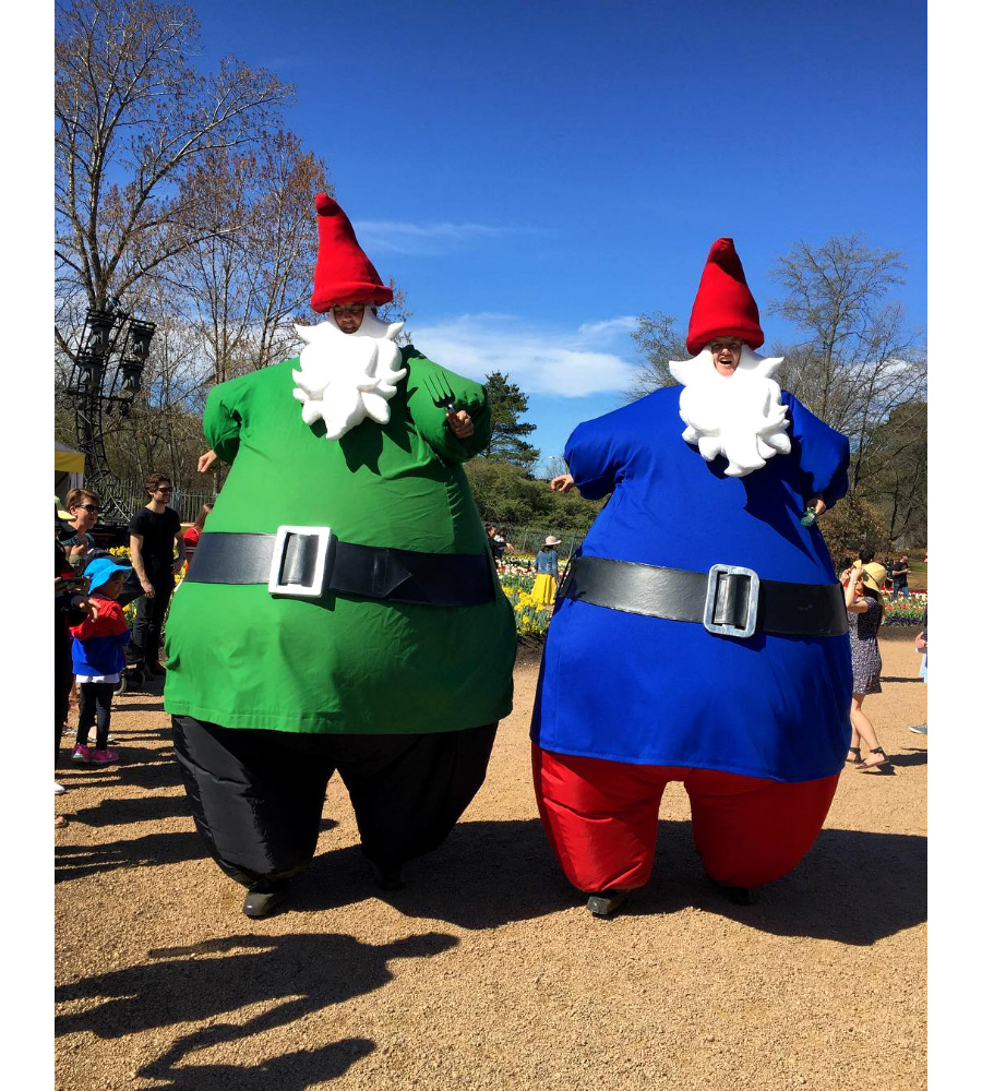 Giant Gnomes walking_Floriade 2018_soliq