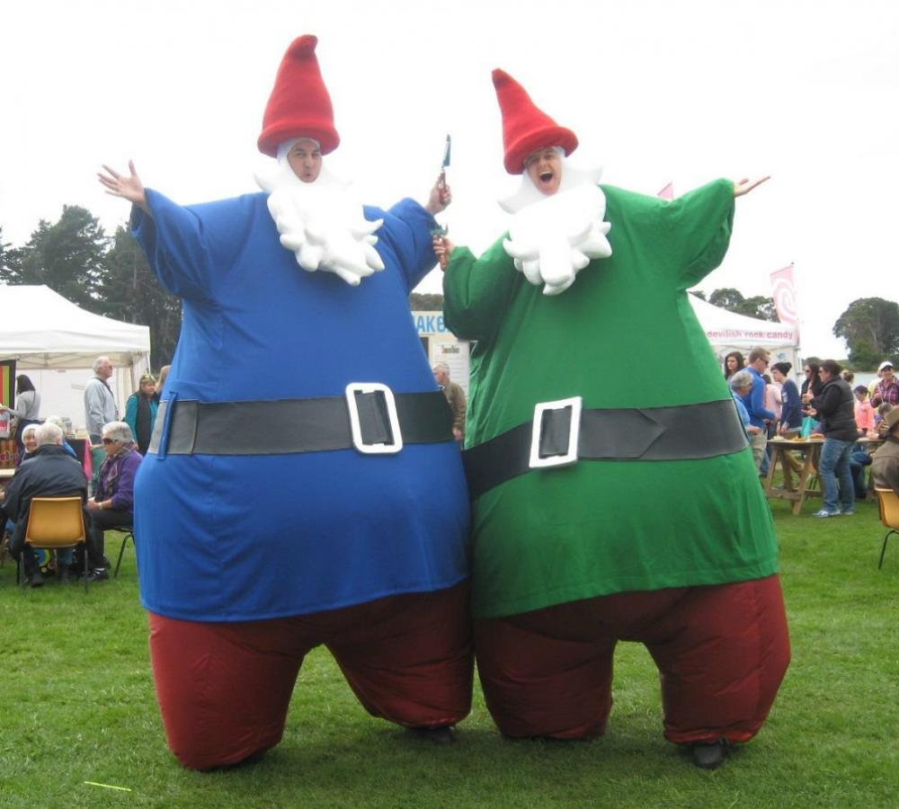 Giant Gnomes_soliq 2; Gnomes Stilt Walker Performance; Giant Gnomes_soliq 3  ...