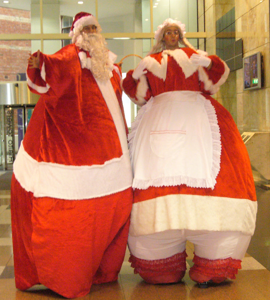 Giant Santa_Mrs Claus_soliq 1