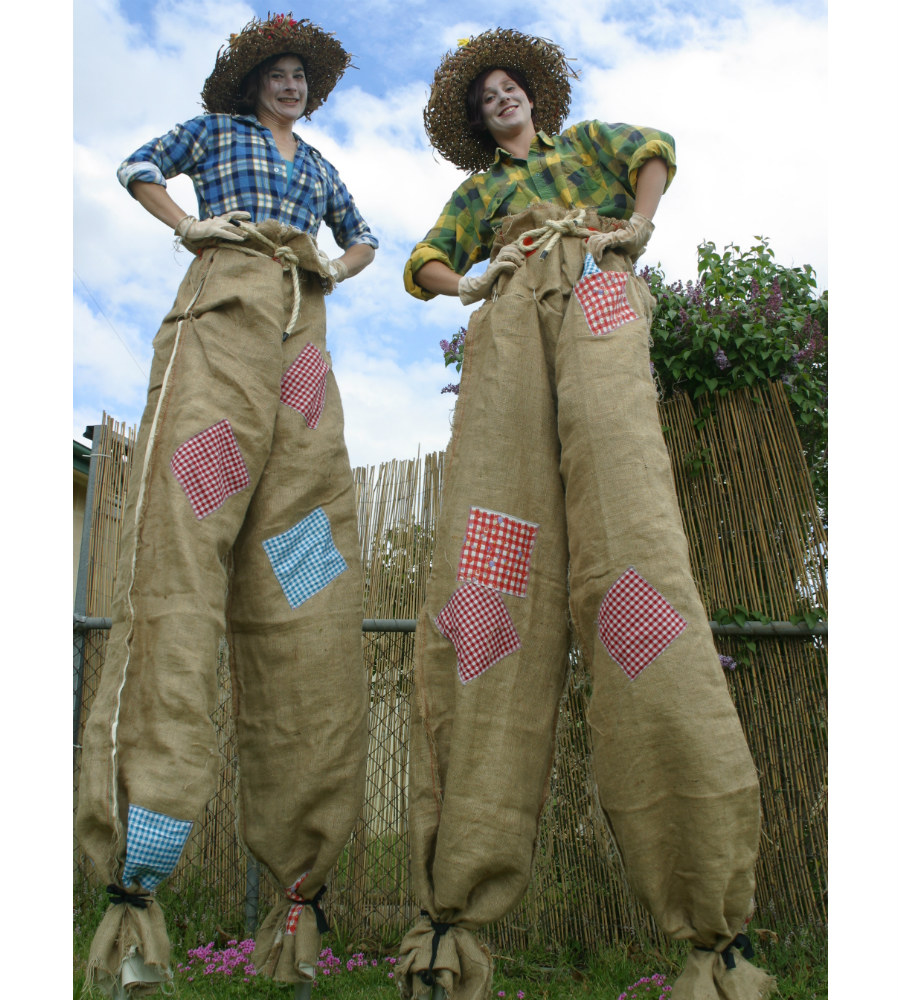 Giant Scarecrows_soliq 1