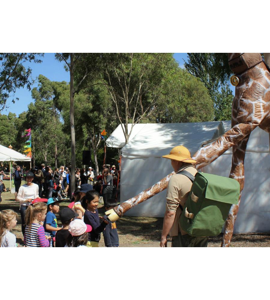 Gemma Giraffe Stilt Walkers Australia_soliq 13