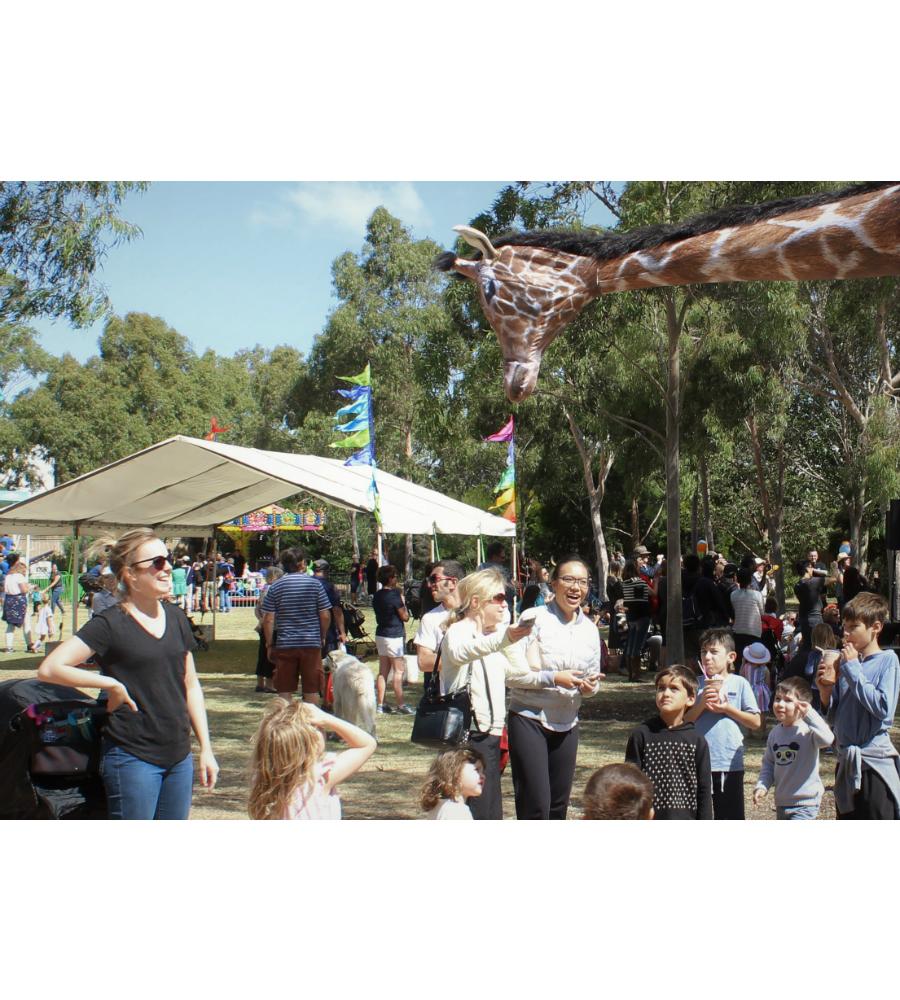 Gemma Giraffe Stilt Walkers Australia_soliq 8