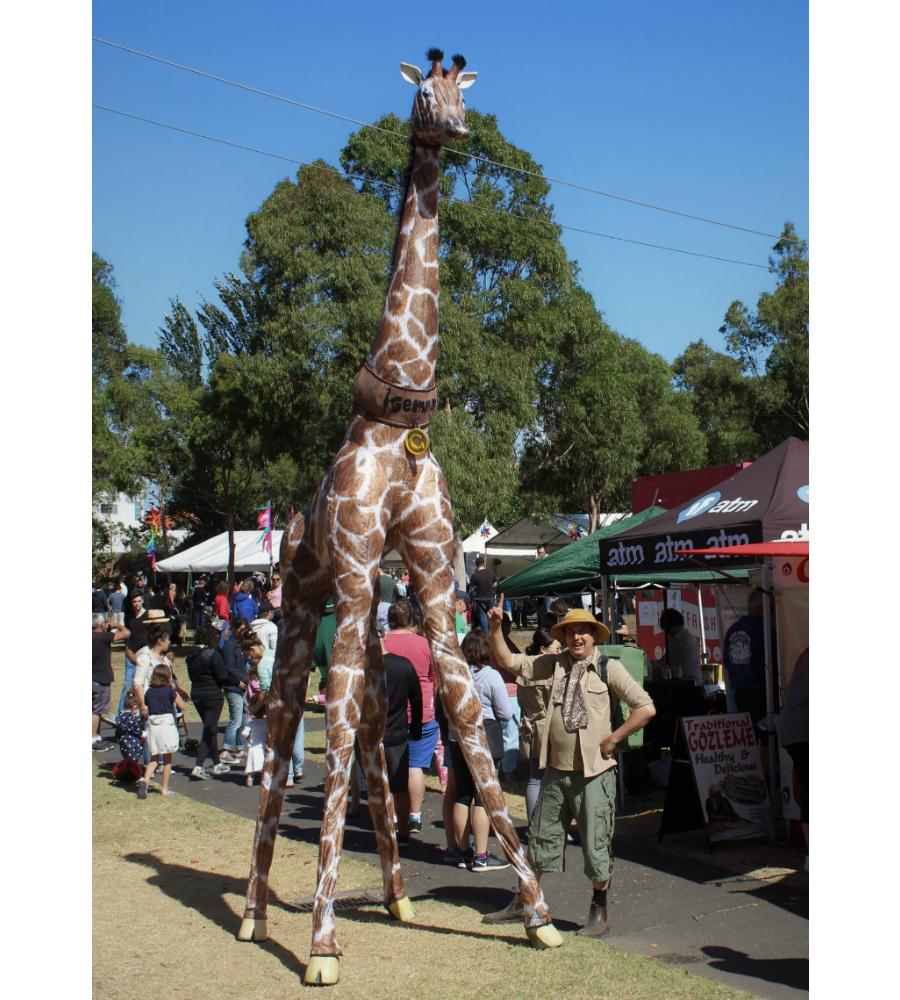 Gemma Giraffe Stilt Walkers Australia_soliq 9