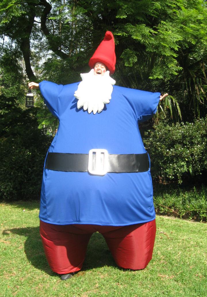 Solo Garden Gnome stilt walker performance